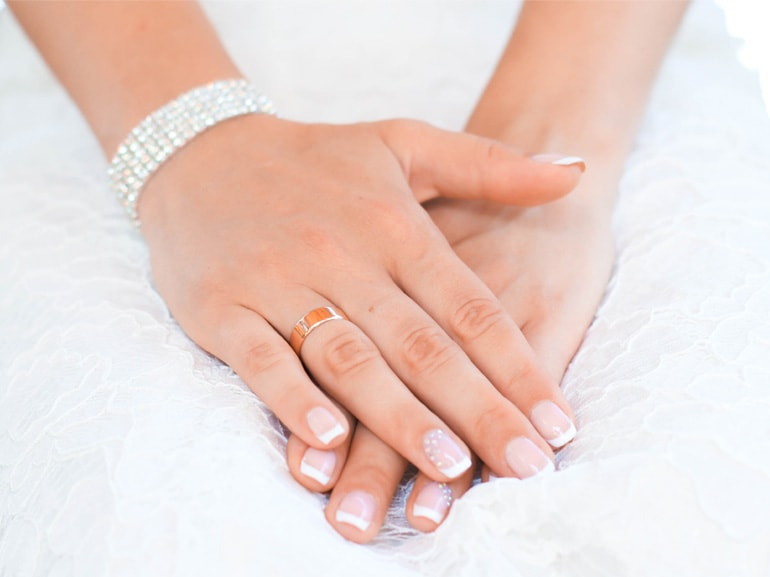 MOBILE_wedding-manicure