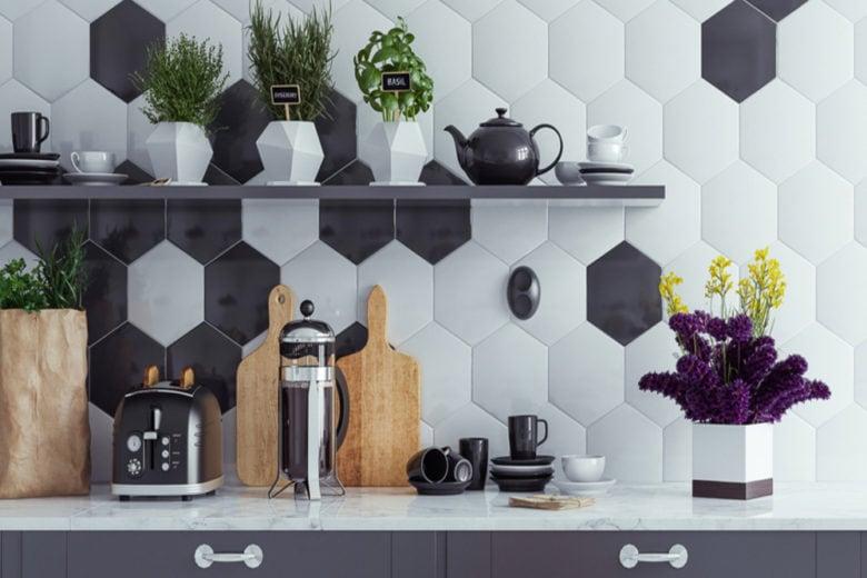 7 idee originali (e facili) per decorare le pareti della cucina