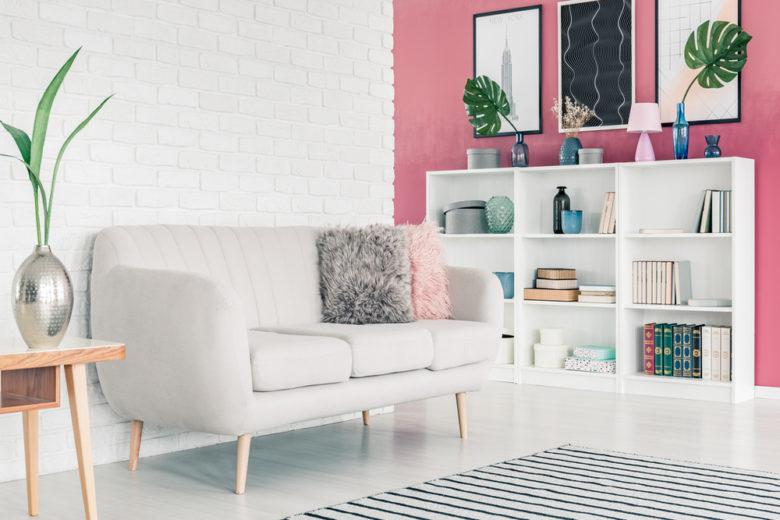 7 idee originali (e facili) per decorare le pareti del salotto