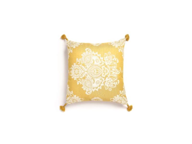 Primark-Home_YELLOW-Jacquard-Cushion-With-Tassle,-$9,-€8