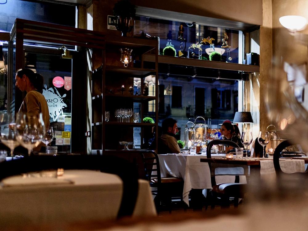 Ristoranti romantici Milano cena romantica Milano dove mangiare in coppia a Milano Osteria di Porta Ciccia