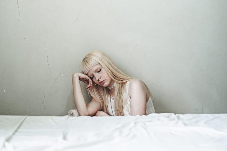 Tutto quello che c'è da sapere sulla melatonina, l'ormone del sonno