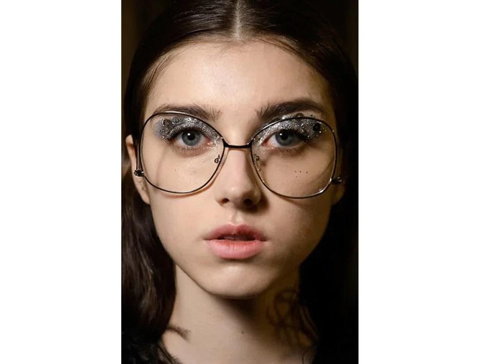 10_PRODOTTI_Glitter-eye-tutti-i-make-up-occhi-pió-belli-per-la-primavera