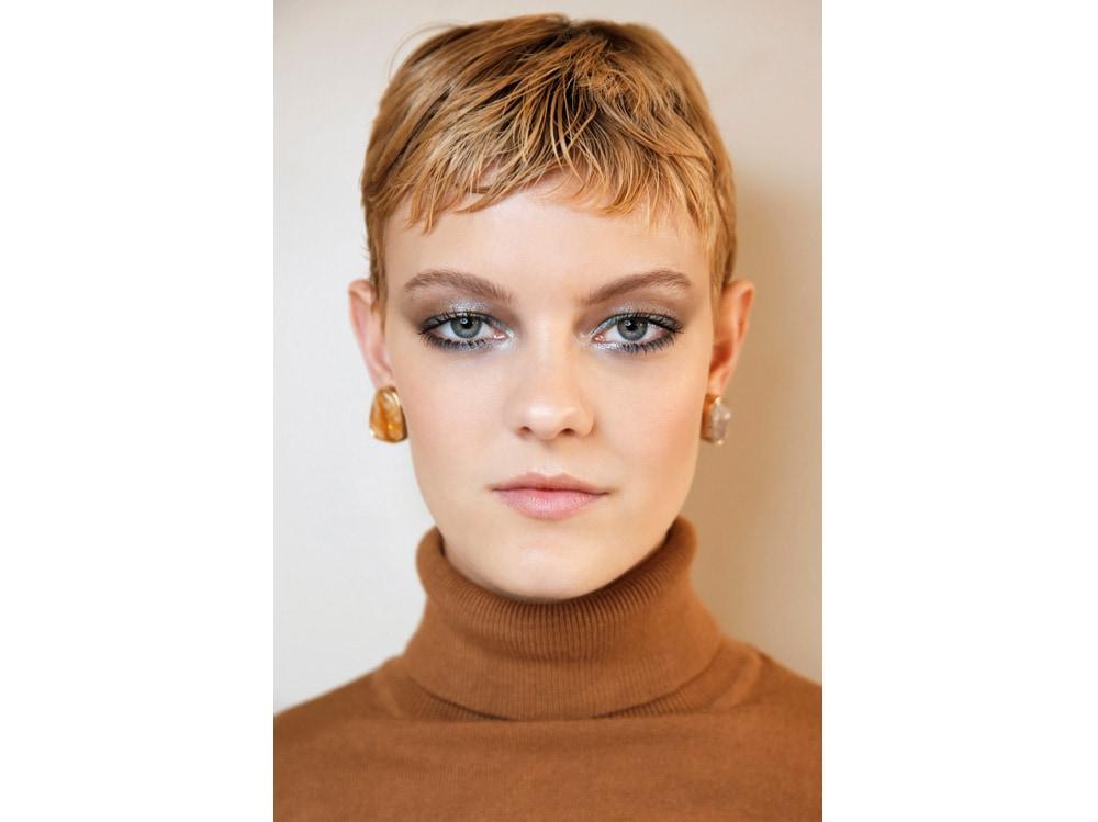 12_PRODOTTI_Glitter-eye-tutti-i-make-up-occhi-pió-belli-per-la-primavera