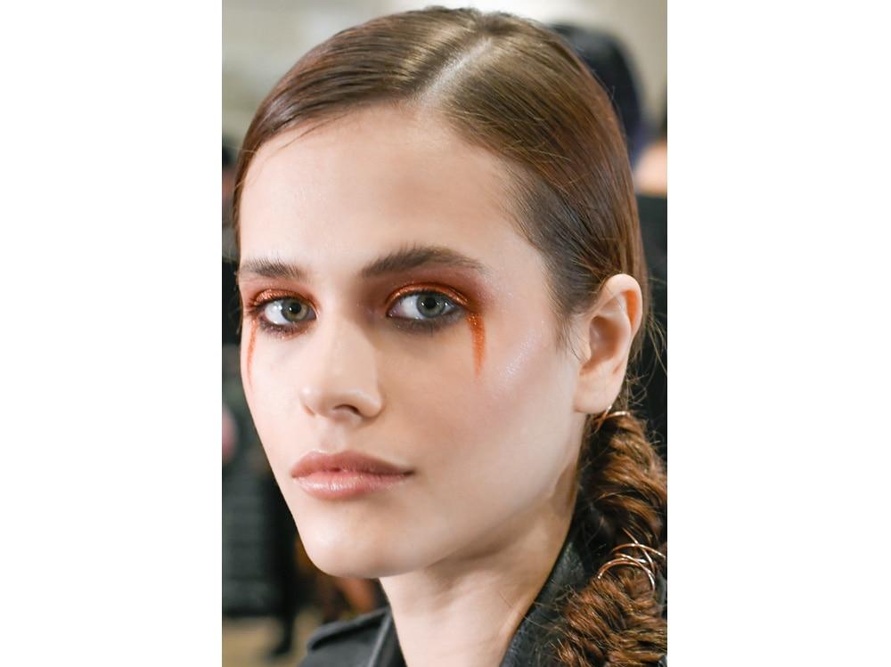 1_PRODOTTI_Glitter-eye-tutti-i-make-up-occhi-pió-belli-per-la-primavera