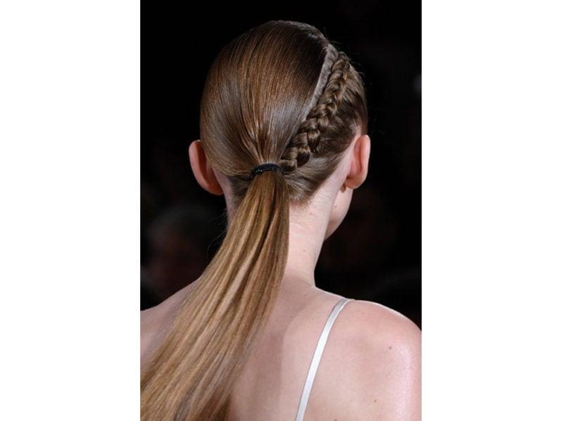 4_Dieci-hair-look-per-i-primi-fine-settimana-al-mare