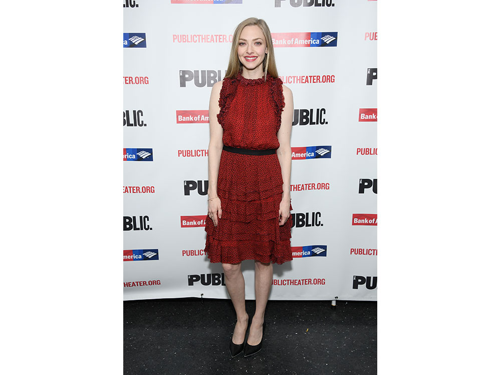 Amanda-Seyfried-in-Jason-Wu-e-Jimmy-Choo