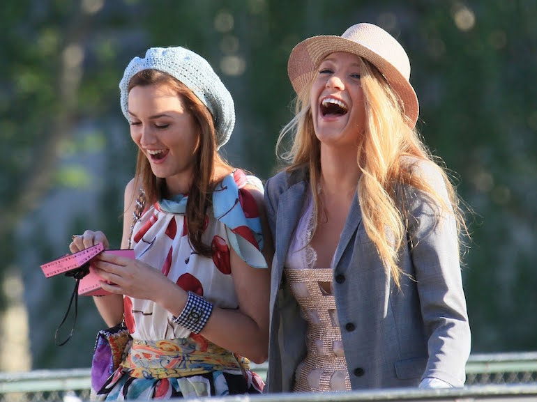 Blair e Serena cappello rosa