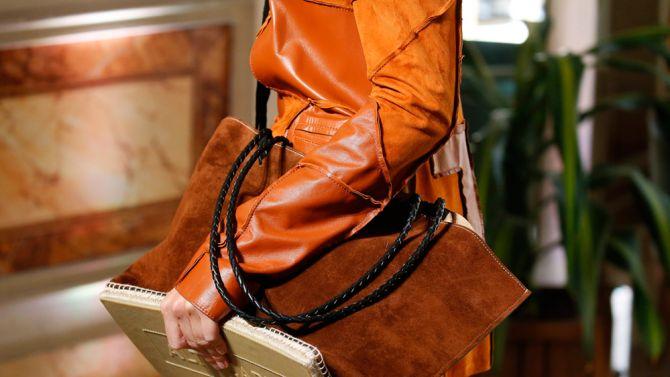 Rust fashion: il color ruggine conquista (anche) la primavera