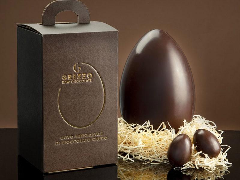 Grezzo-uovo-cioccolato-crudo-milano