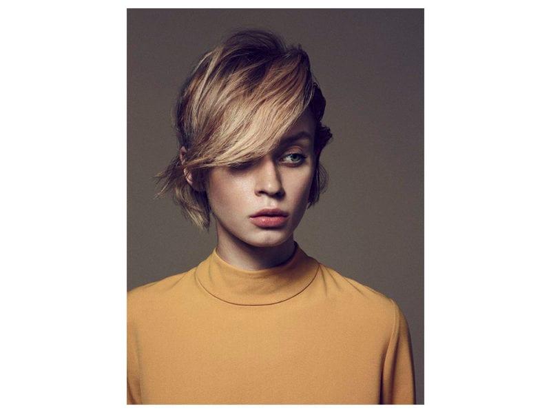 capelli con frangia 11