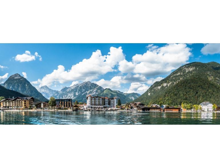 Jenbach Tirolo Austria cittadina tra Innsbruck e Kufstein raggiungibile con treni DB-OBB Eurocity