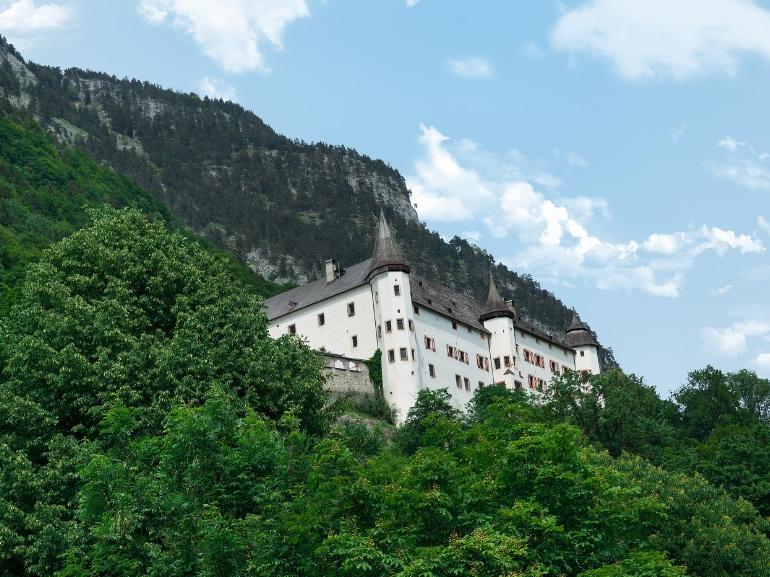 Jenbach Tirolo cittadina tra Innsbruck e Kufstein raggiungibile in treno DB-OBB Eurocity