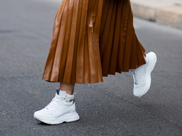 MOBILE_sneakers_bianche