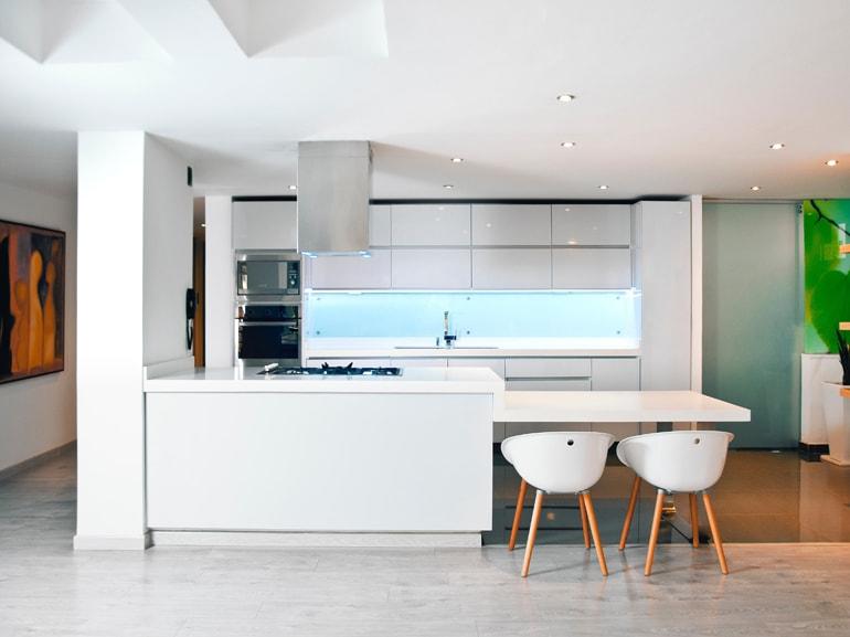 Cucina con penisola 10 errori da evitare for Penisola mobile cucina