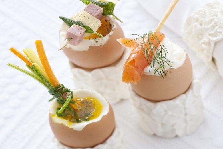 Uova alla coque condite