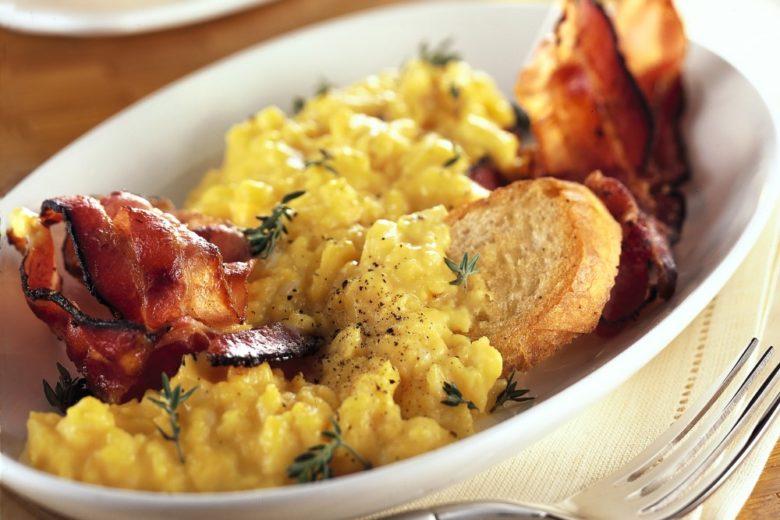 Uova strapazzate con bacon