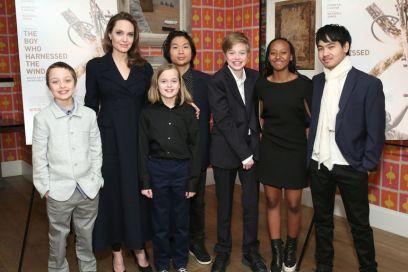 Angelina Jolie parla dei figli che diventano grandi (e rimpiange l'adolescenza)