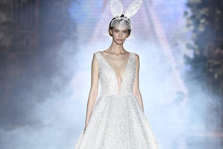 Emé in Wonderland: lo show del brand di abiti da sposa tra fiaba e realtà