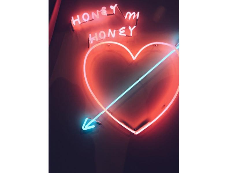 01-cuore-neon-luce