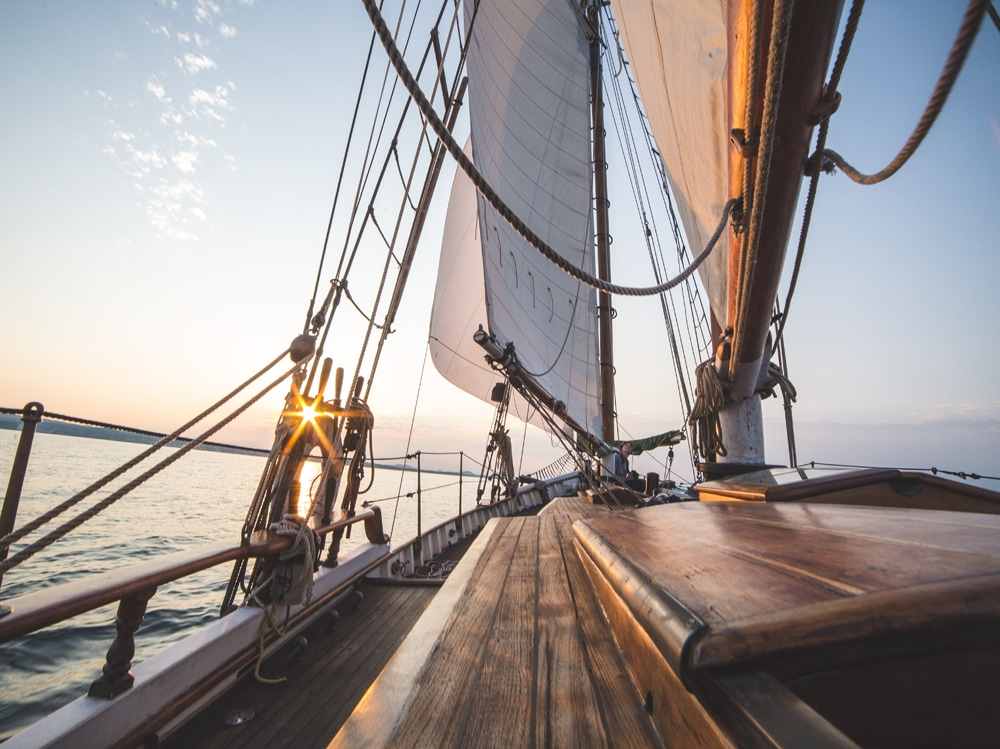 09-barca-a-vela