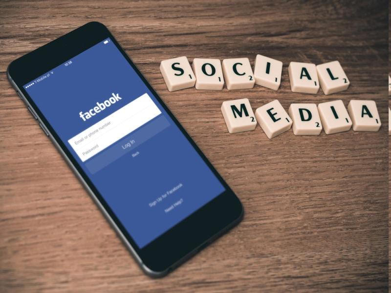 10-facebook-social-network