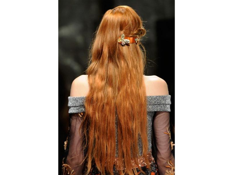 2_Accessori-floreali-gli-hair-look-super-primaverili