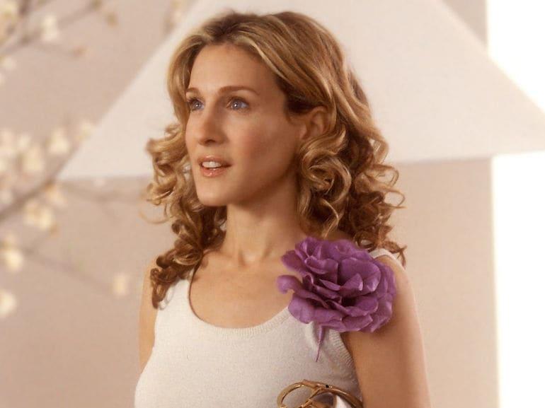 Carrie bradshaw fiore fucsia