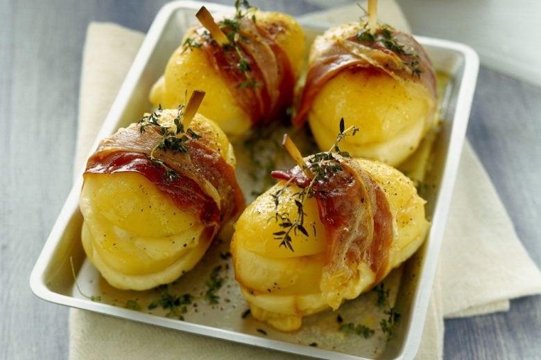 Sandwich di patate con prosciutto crudo