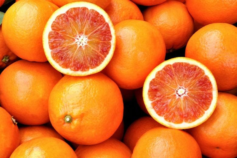 Arance rosse di Sicilia: sapete perché fanno bene alla pelle?