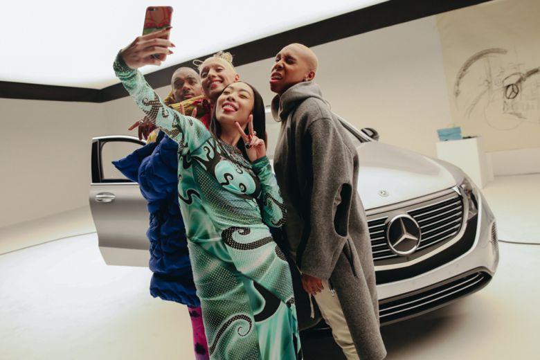 Mercedes-Benz racconta la mobilità con la fashion story #mbcollective