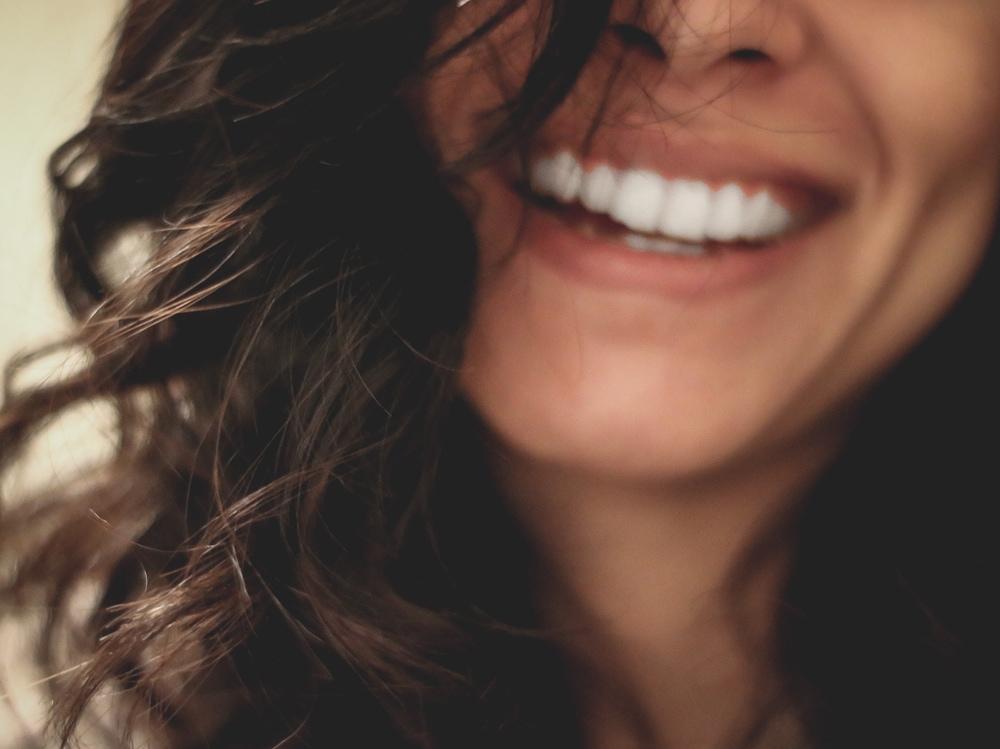 01-ragazza-sorride
