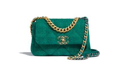 01_AS1160-B01646-BE325–The-CHANEL-19-bag-in-green-quilted-tweed_HD