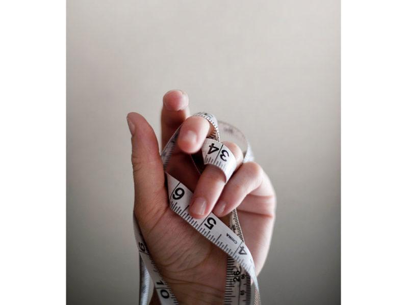 02-centimetro-mano