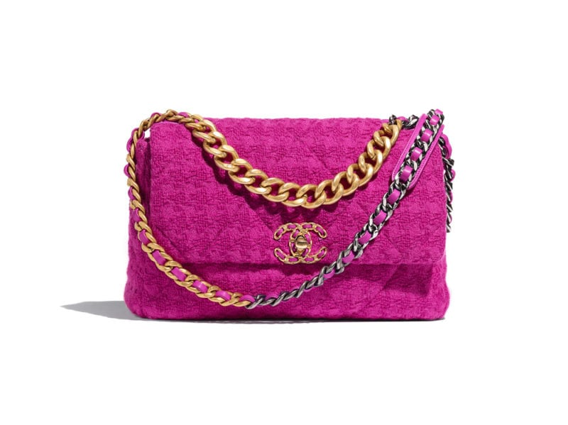 03_AS1161-B01567-BE321–The-CHANEL-19-bag-in-magenda-tweed_HD