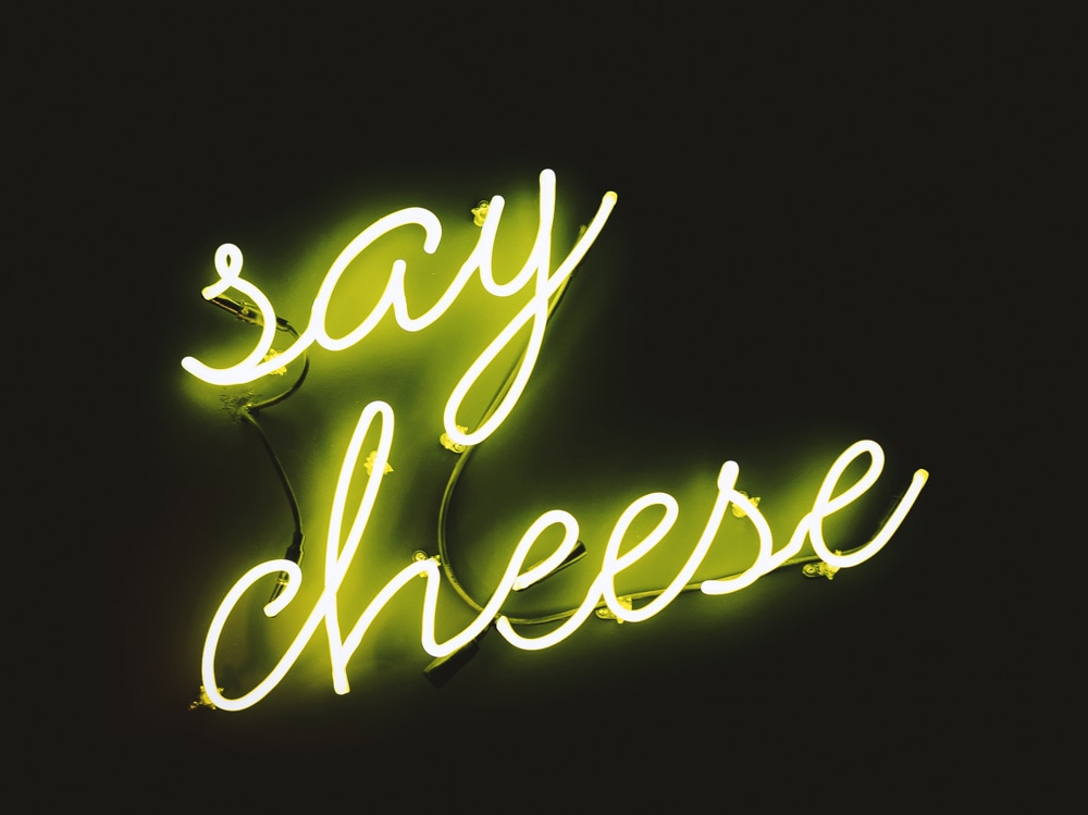05-insegna-neon-say-cheese
