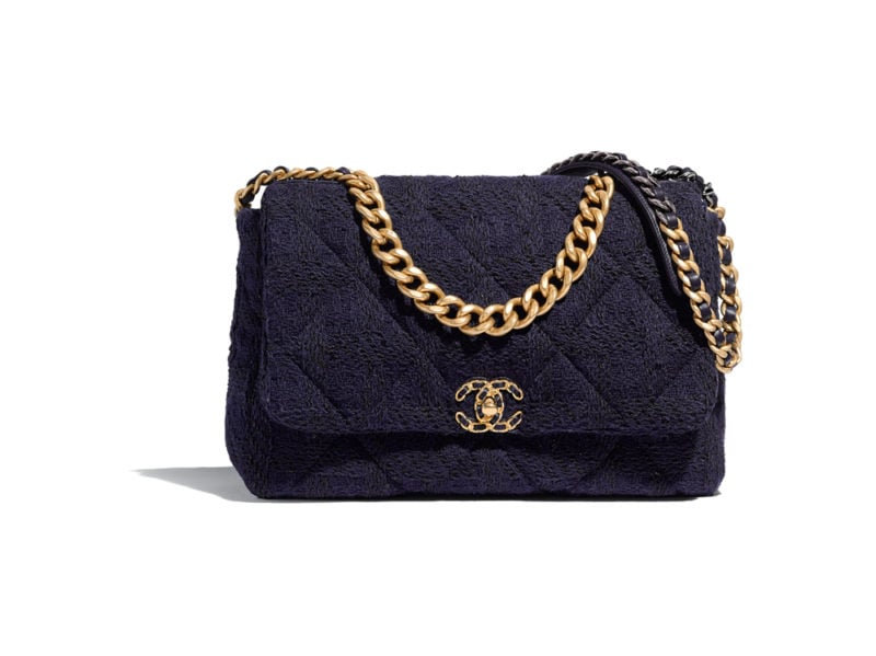 05_AS1162-B01624-MH059–The-CHANEL-19-bag-in-navy-blue-and-black-tweed_HD