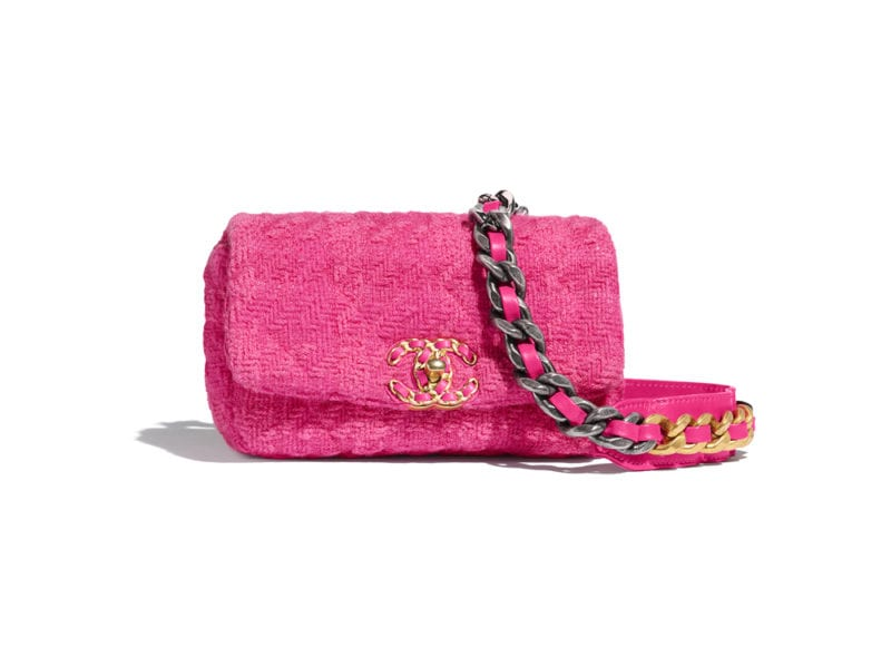 06_AS1163-B01661-BE326–The-CHANEL-19-waist-bag-in-pink-tweed_HD