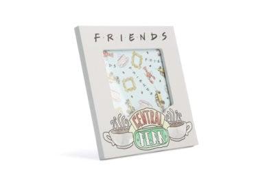 08-cornice-friends