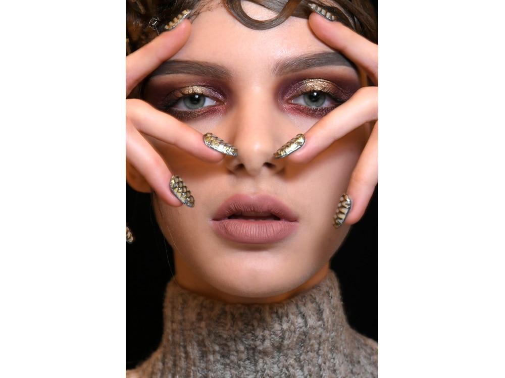 2_PRODOTTI_make-up-occhi-verdi