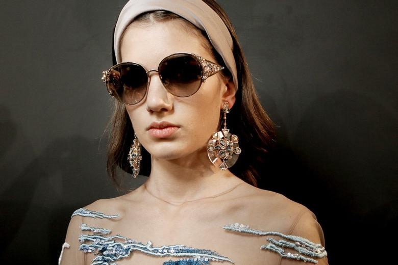 Accessori per capelli: tutte le novità da sfoggiare in riva al mare