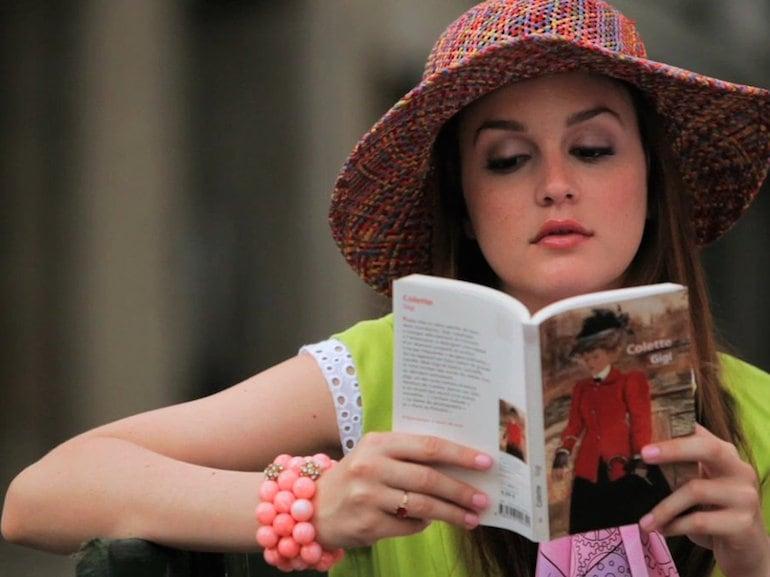 Gossip Girl libro e cappello