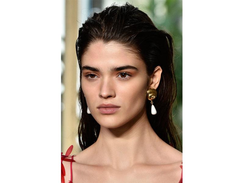 acconciature-capelli-lunghi-estate-2019-1