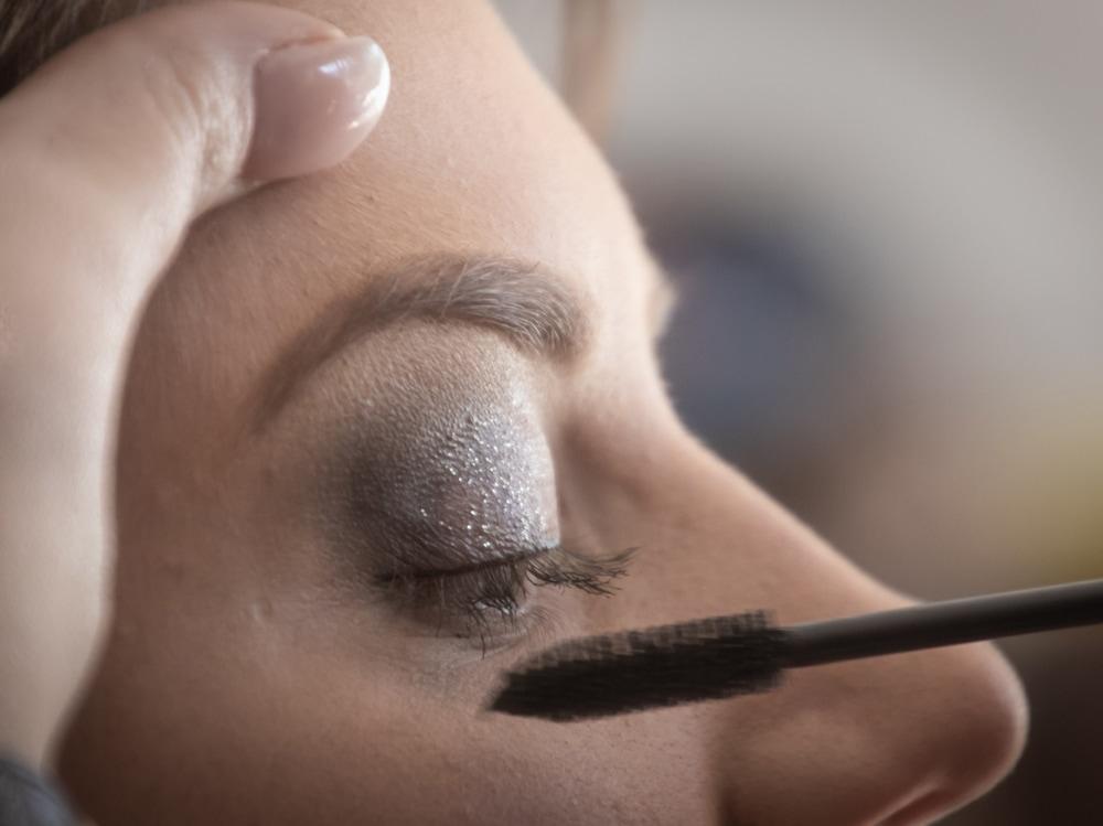 close-up-eye-eye-makeup-1383537