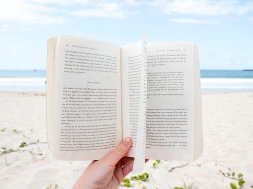 d2c717a81a125d Thriller, gialli e romanzi: 10 libri da leggere quest'estate - Grazia