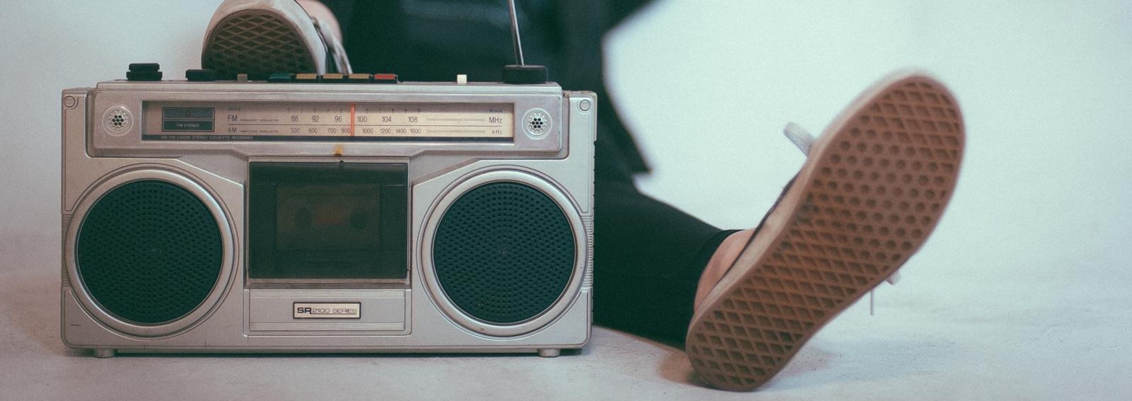 visore-musica-fa-bene-desk