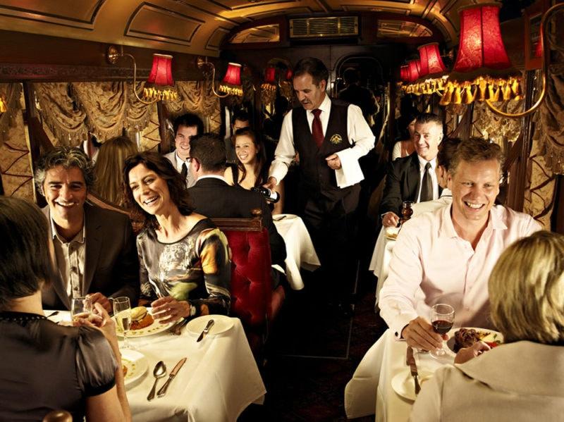 10-colonial-tramcar-ristorante