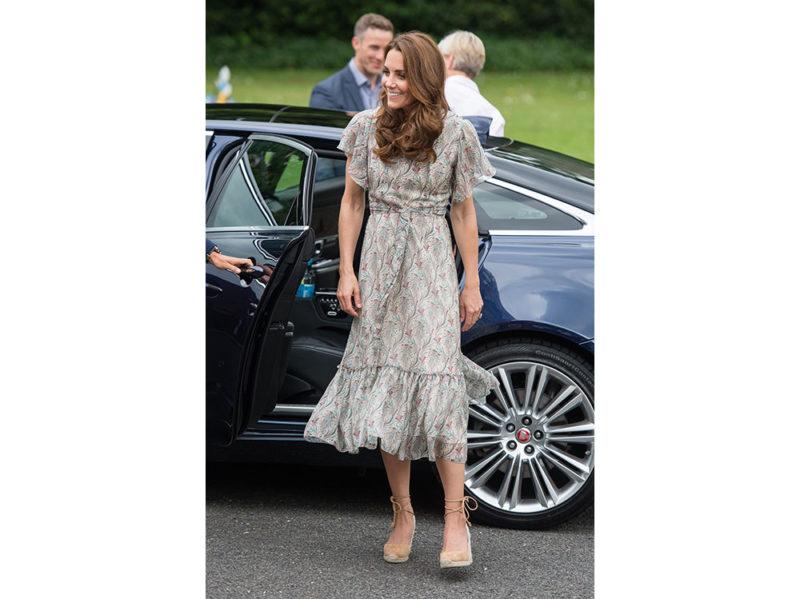 Kate-Middleton-in-Ridley-London-e-espadrilles-Castaner