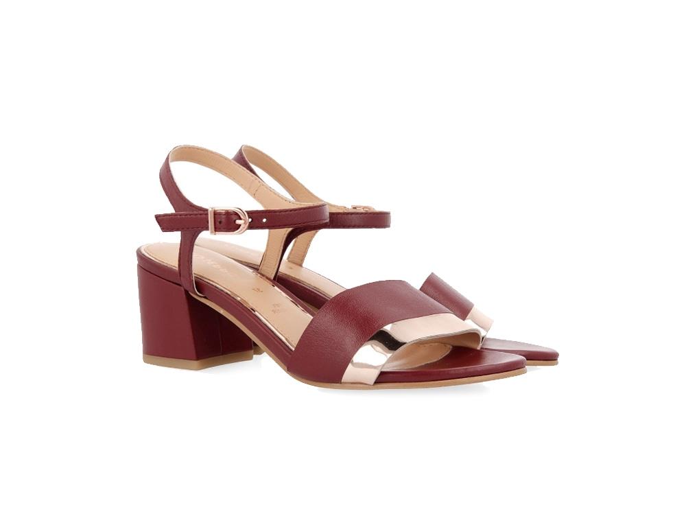 Scarpe e sandali: quali comprare con i saldi estivi 2019