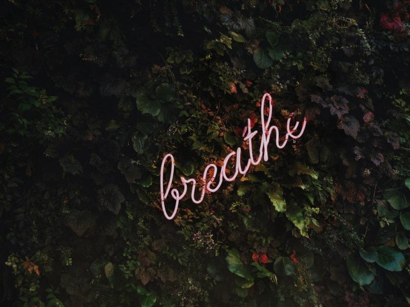 05-insegna-luminosa-neon-breathe